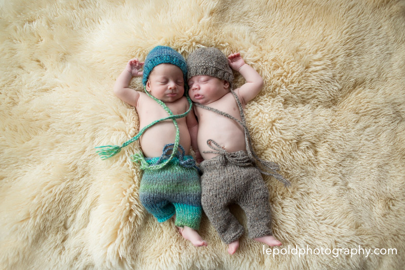 08-Newborn-Twins-LepoldPhotography1