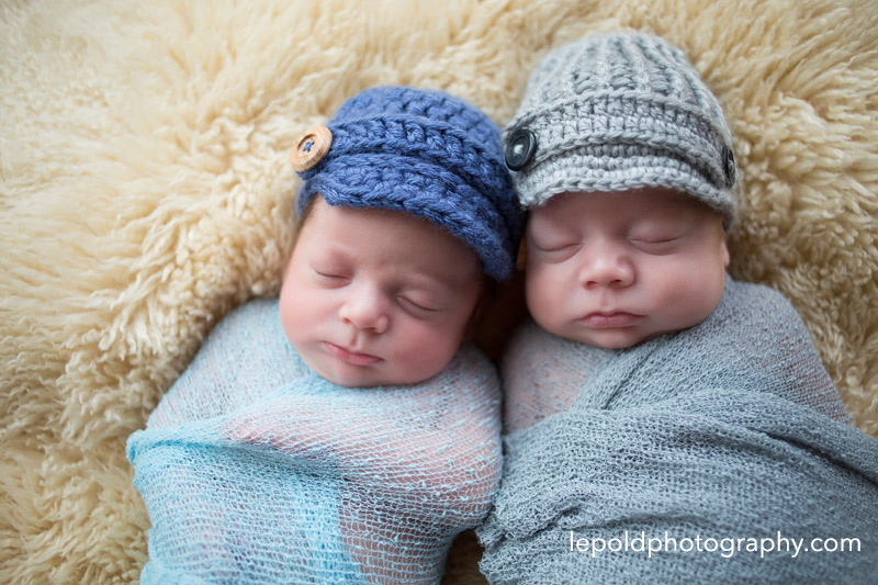12-Newborn-Twins-LepoldPhotography1