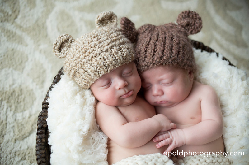 16-Newborn-Twins-LepoldPhotography1