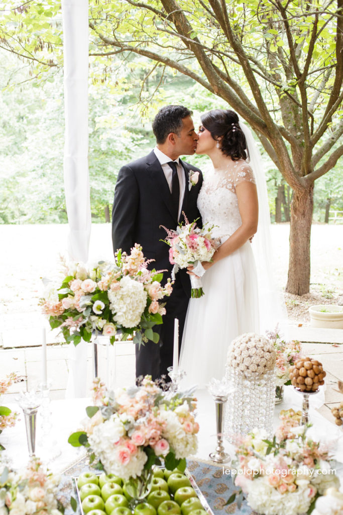 085-woodend-sanctuary-wedding-lepold-photography