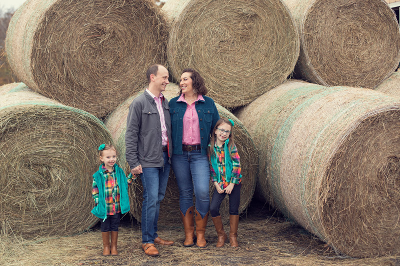 Family Portraits on the Farm | Leesburg Family Photographer